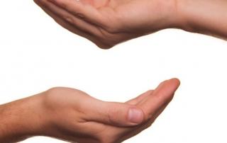 ruka-siromaštvo-890x395_c